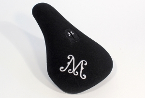 cruiser wide logo seat